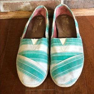 Green striped Toms